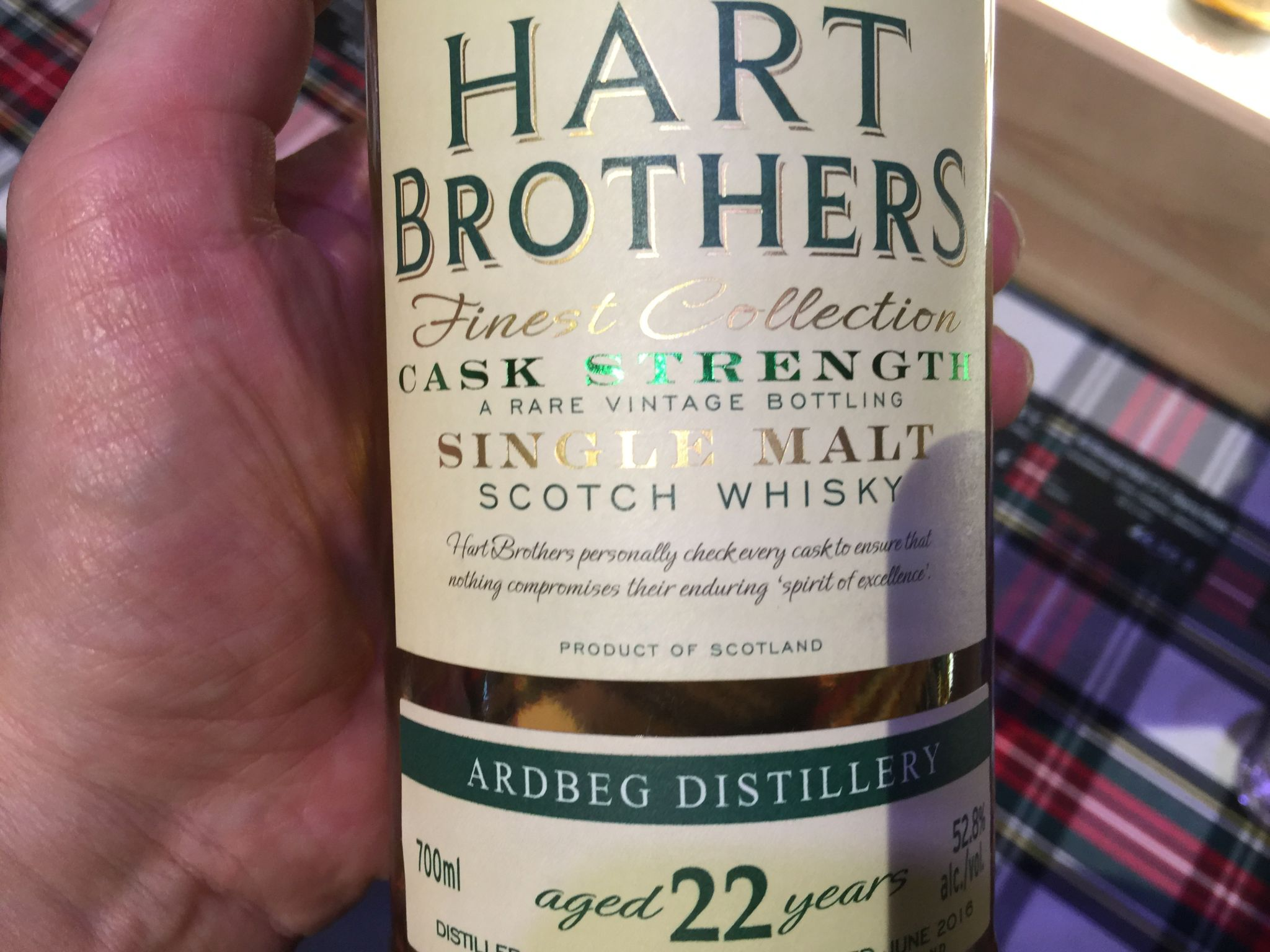 Detailansicht der Ardbeg 22 Jahre von Hart Brothers